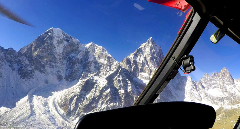 helicopter everest view